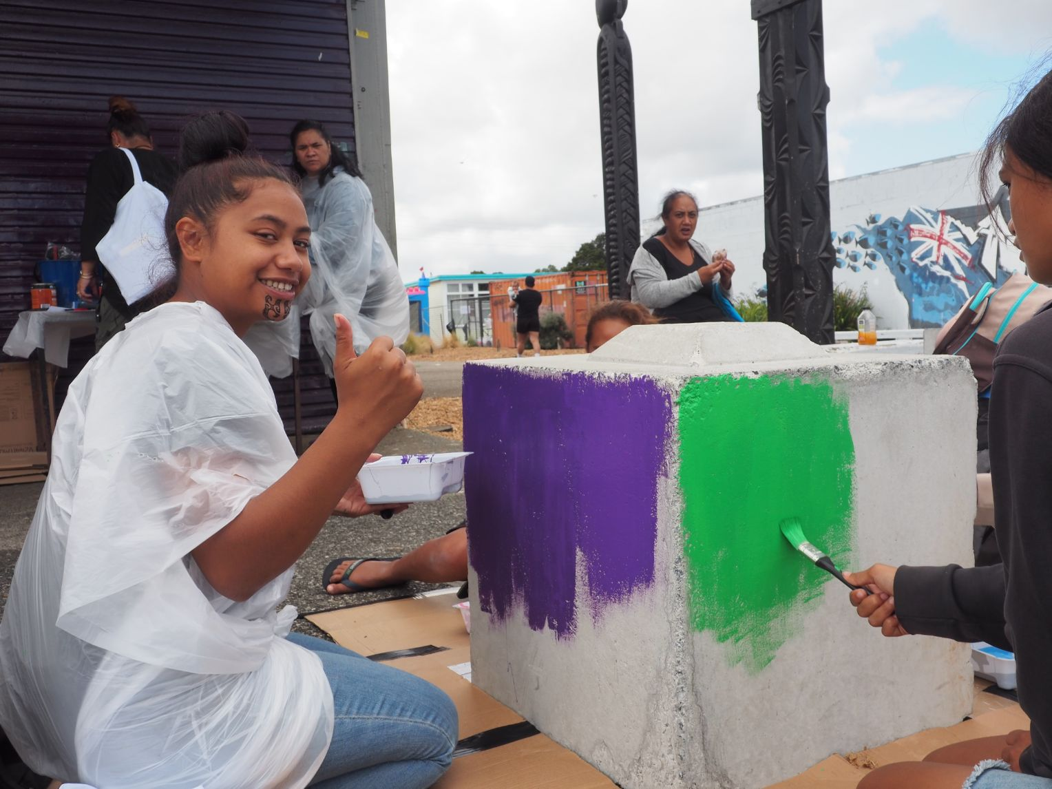 Happy block painting participants